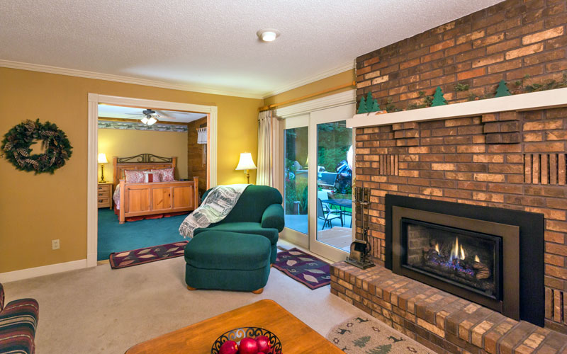 The northwoods suite had a beautiful brick gas fireplace.